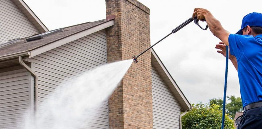 Want to Hire Someone For Power Washing? Consider These Things First